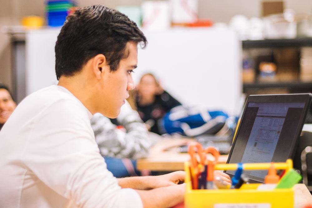 entrega_despliegue_portatiles_escuelas